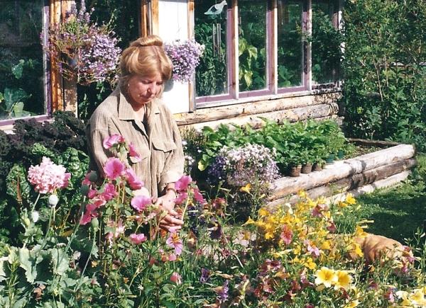 Maureen Morris in her garden.
